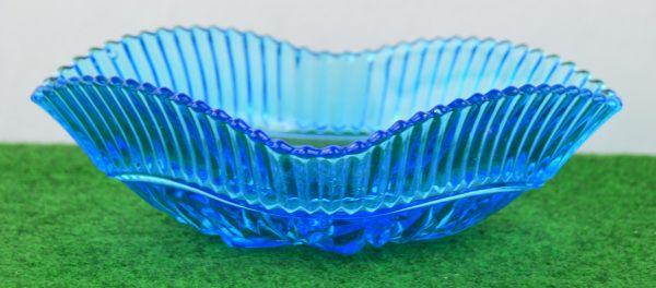 Blaue Glasschale