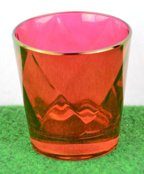 Rotes Wasserglas